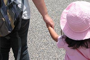 情報を共有してお互いのストレスを防ごう。<br>おじいちゃん&おばあちゃんに子どもを預かってもらう際に大切なこと