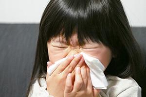 花粉症の子どもが急増中!親子でできる対策は?