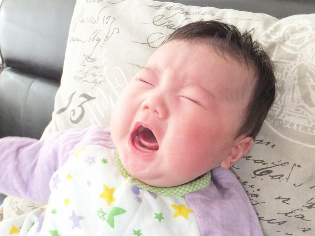 子どもが夜中に突然泣き叫ぶ?それって夜驚症かも
