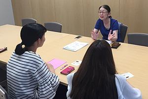 【LAXIC学生編集部発】悩む女子大生がバリキャリの大先輩ワーママ・村木厚子さんに聞く「出産と育児、どの程度考えとくといいんだろう……」