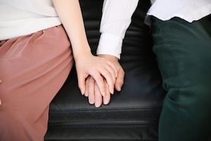 共働き夫婦の最新離婚事情…… イクメンに疲れた夫が離婚を切り出すケースも!?