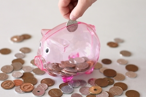 子どもが「お小遣いが欲しい」と言い出した!<br>お金の教育、先輩ママはどうしてる?