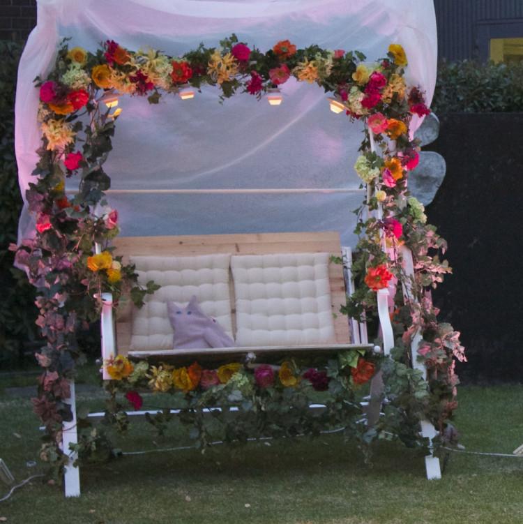 結婚式もDIYで。花ブランコのランプシェードは3Dプリンター製