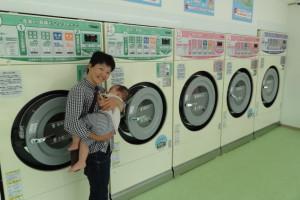 知識も経験もないまま体当たりで始めたコインランドリー<br />櫻井宏美さんが忙しいママたちを救う